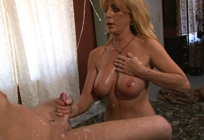 monsters-of-jizz-lola
